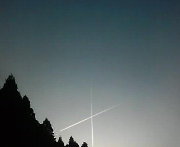 クロスした流れ星。ではない。