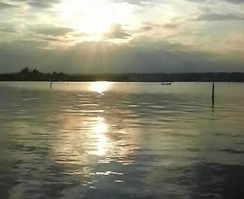 べた渚の港